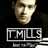 T. Mills en concierto